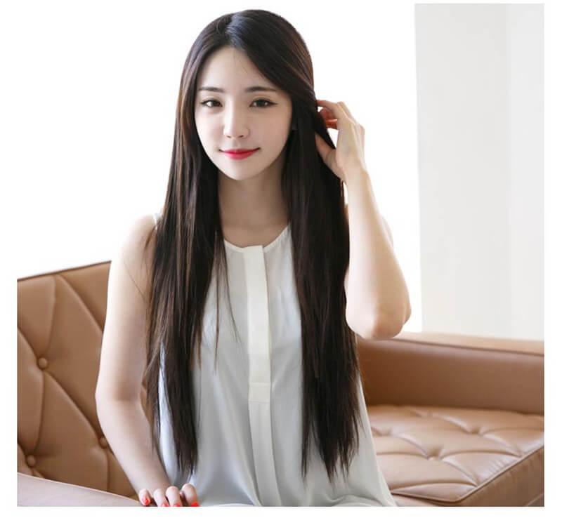 Kiểu tóc dài thẳng mái ngố